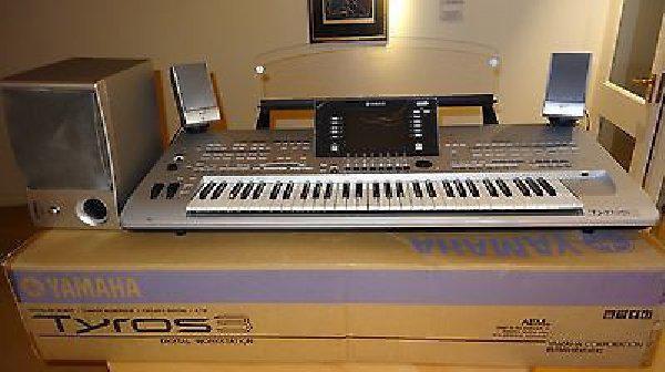 Yamaha Tyros 5 76 Key Arranger Workstation Keyboard