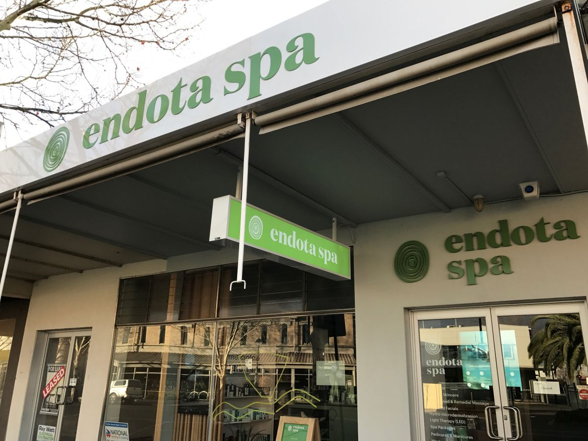 Mint Signs, Bendigo Signwriters, Business Signage, Signwriting Experts, Shop Fitout, Custom Signs, Vinyl Lettering, 3D Lettering, Door Signage, Window Decals