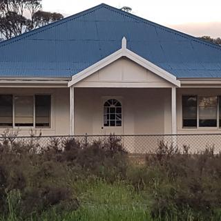 Omeo Farm Stay  300 Hadden Rd, North Burngup WA 6353, Australia