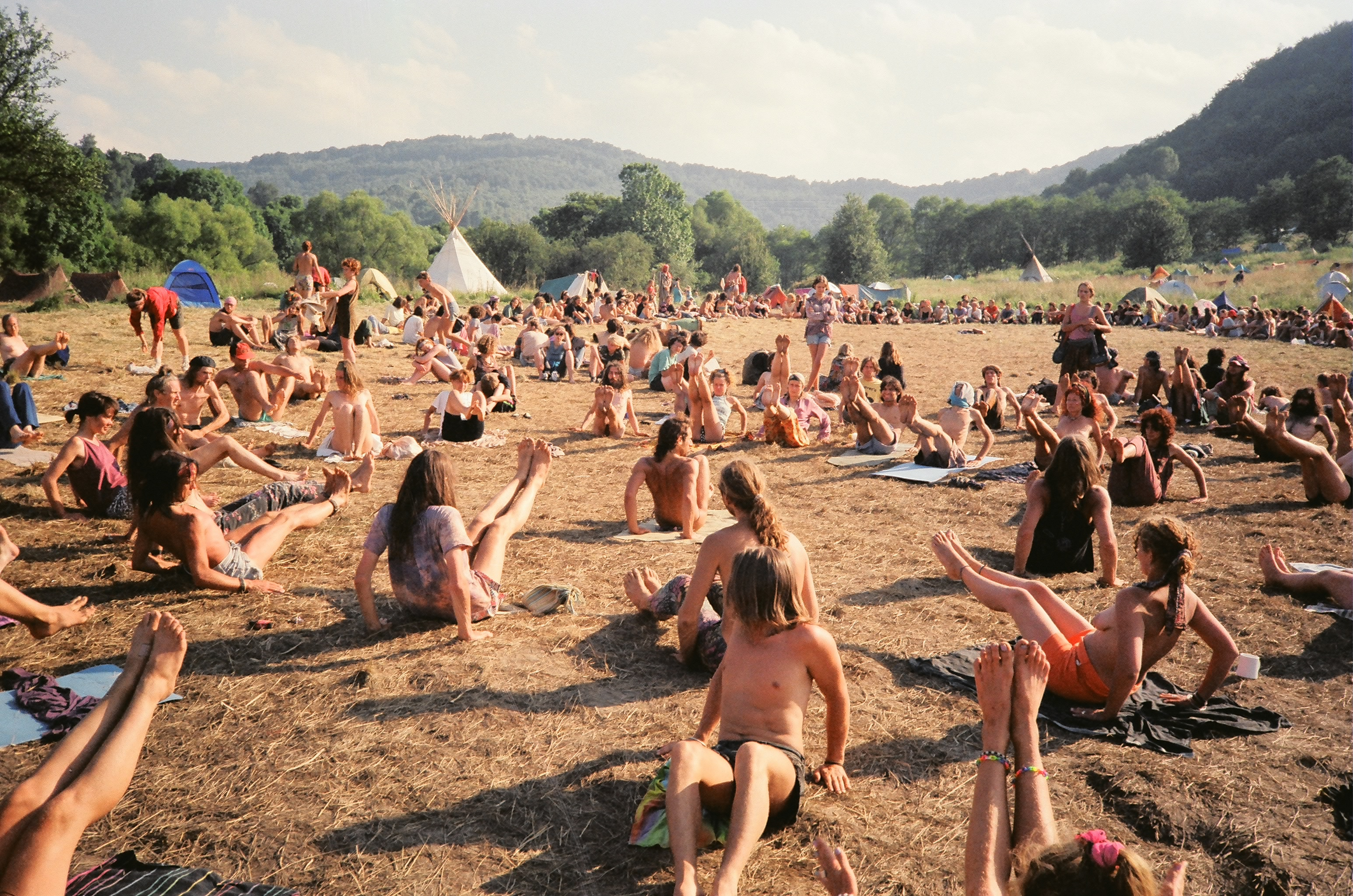 One of the first Yoga Synergy Workshops by Simon Borg-Olivier and Bianca Machliss at the Poland Rainbow Festival in 1991