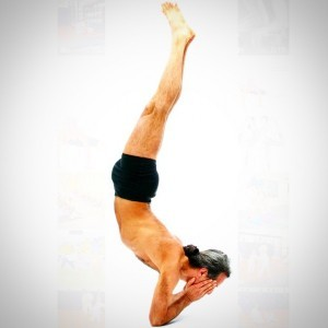 blog-headstandssimon-borg-olivier-in-sayanasana-300x300