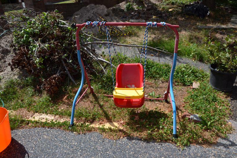 Free stuff giveaway freecycle freebies australia for Baby garden swing amazon