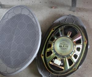 AU Falcon speakers