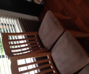 6 colonial style chairs
