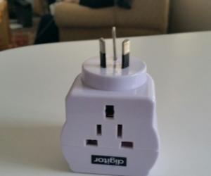 Universal to Australia power adapter