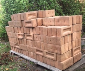 Bricks  -  230 Cream bricks