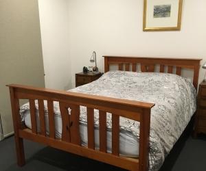 Wooden bed (queen)