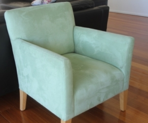 Small tub lounge chair