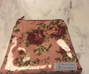 Purse / pouch with zip