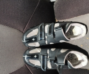 Road Bike Cycle shoes. Suits Shimano Pedals - Plastic bottoms are need replacement