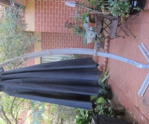 Garden Cantilever Umbrella: Black