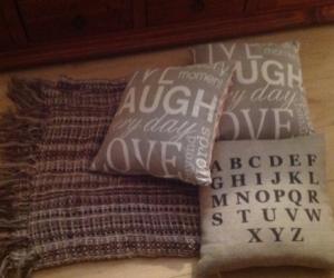 Decor cushions and throw rug