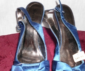 SIZE 8  PRETTY BLUE SHOES