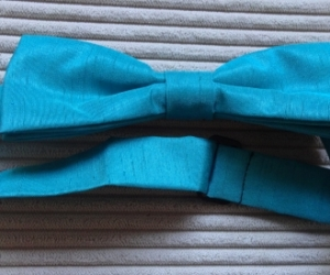 Teal blue/green silk bowtie. Pickup Blackburn