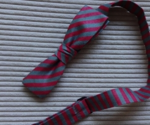 Striped grey and red bowtie. Pickup Blackburn