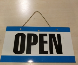 Open or Closed door sign