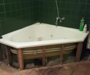 Onga Spa pump and spa bath