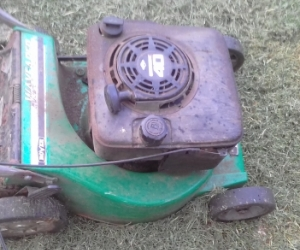 Lawn mower or Rover mower for parts.