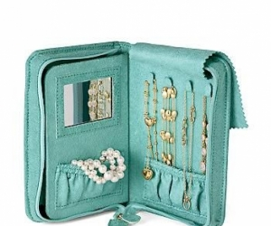 Portable jewellery box