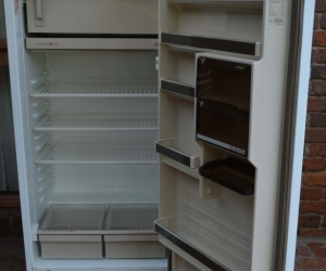 Phillips 370 litre fridge (refrigerator)