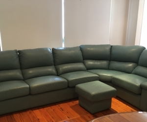 Modular leather lounge suite