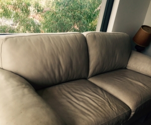 2.5 seater beige leather lounge