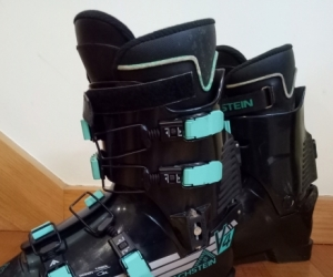 Dachstein V4 Ski Boots. Used. Size 9