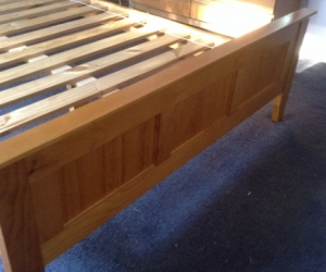 Queen size bed slat base pine 15 years old