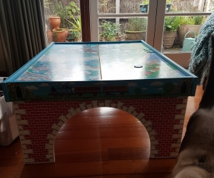 Thomas the tank engine train table