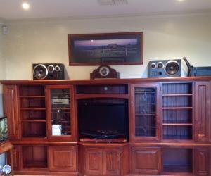 TV Unit/Wall Unit/Storage Unit in excellent condition.