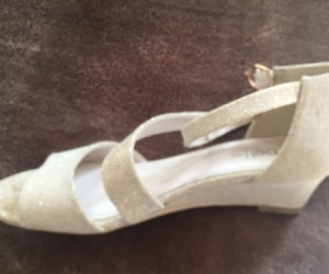 Girls size 3 betts for kids party shoes