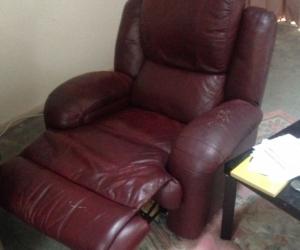 Leathe recling suite