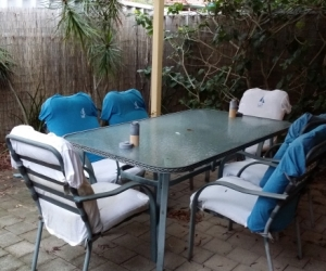Free outdoor table and 6 chairs