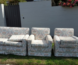 Three Piece Lounge Suite in good condition