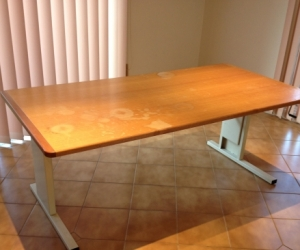 Height adjustable table  1800 x 900