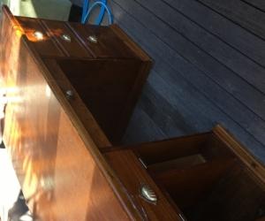Large reproduction desk