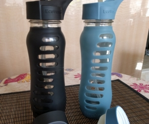 Glass water bottles 850ml x 2