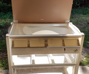 Baby change table/bath