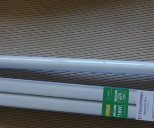 Replacement 65cm cool white fluorescent tube, new. Pickup Blackburn