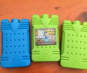 3 reusable icebocks