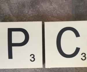 Typo Scrabble Letters P and C