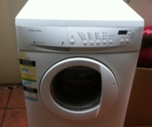 Electrolux 7kg Washing Machine 'Eco Valve'