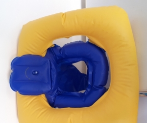 Baby floatation ring with seat