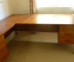 Wooden desk - Free