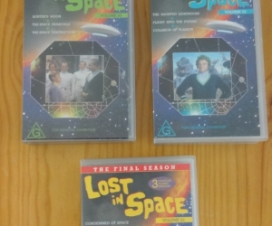 VHS tapes of Lost in Space. Pickup Blackburn