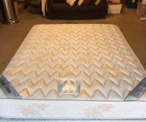 Queen size mattress and base ensemble