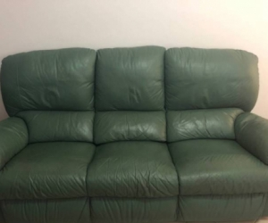 COMFY LEATHER 3 SEATER COUCH!