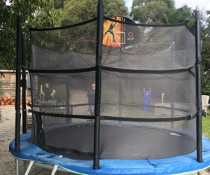 Trampoline Vuly 10ft with safety net and backboard