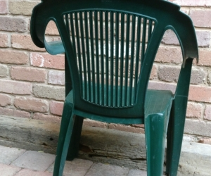 6x Green Plastic Resin Stackable Deck Chairs
