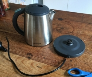 Sunbeam 1L kettle, faulty switch, needs cord replaced